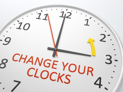 How do I adjust for the end of daylight savings time?